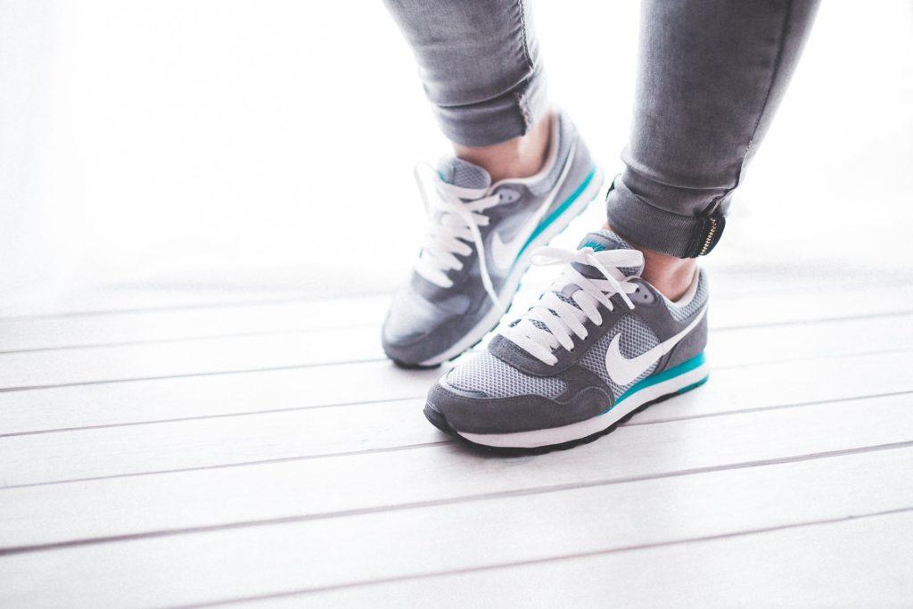 shoes-791044_1920